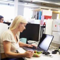 Seduti in ufficio per ore?