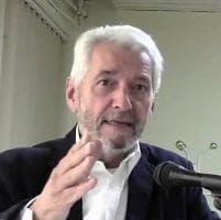 """Alfiero Grandi: """"Si risparmia il costo dell'aereo del premier"""""""