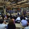 Puglia, sì al crocifisso nell'aula del consiglio regionale: la mozione Fi passa col voto segreto