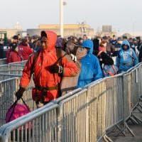 Calais, continua lo sgombero della 'Giungla', tra indifferenza e scetticismo