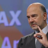 """Manovra, Moscovici: """"Niente drammi sulla lettera Ue"""". Renzi: """"Legittima e regolare"""""""