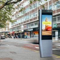 Londra: addio cabina telefonica rossa, arrivano le colonnine Wi-fi