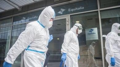 Foto  Polvere sospetta in buste a Equitalia dipendenti in ospedale in diverse città