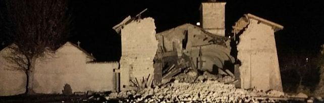 Forte terremoto  in centro Italia   mappa   -   video   epicentro tra Marche e Umbria, magnitudo 5.4    Video  Crolli a  chiesa Norcia   /   Foto   Prima e dopo
