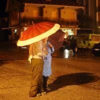 E sull'Umbria devastata dal terremoto, nella notte si abbattono piogge torrenziali