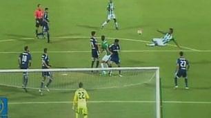 La sforbiciata perfetta di Borja gela il portiere: gol capolavoro