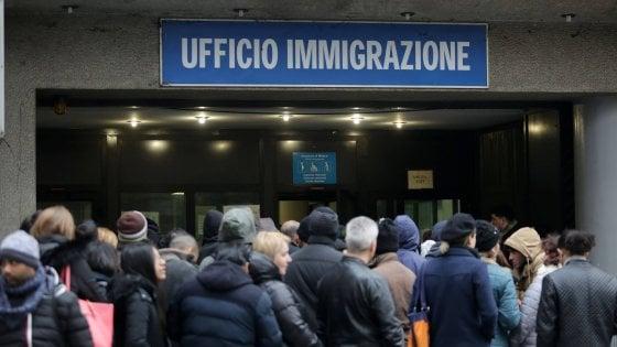 Immigrazione sorpasso dopo anni pi italiani all 39 estero for Questura di roma ufficio immigrazione permesso di soggiorno
