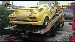 La bella vita dei coniugi 'Tucker' Sequestrate due Lamborghini