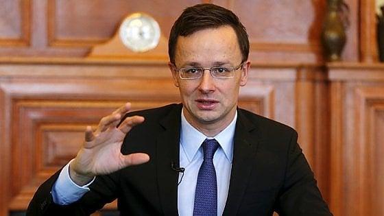 """Migranti, l'Ungheria contro Renzi: """"E' l'Italia a violare le regole"""""""