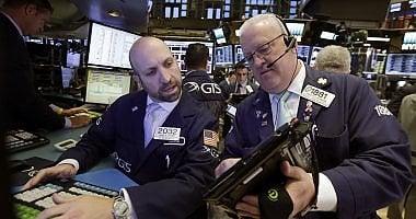 Pioggia di vendite sui titoli di Stato  Borse contrastate, Pil Usa oltre le attese