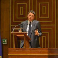 """Università, Renzi ai 'cervelli in fuga' tornati in Italia: """"Siete classe dirigente quanto..."""