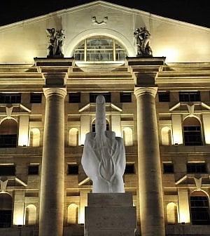 La lenta (ma costante) fuga dei capitali dall'Italia: nuvole nere sui titoli delle banche