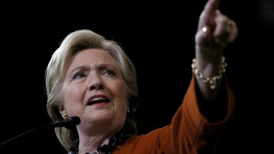 Usa, duro colpo a Clinton a 10 giorni dal voto: Fbi riapre indagine su mail