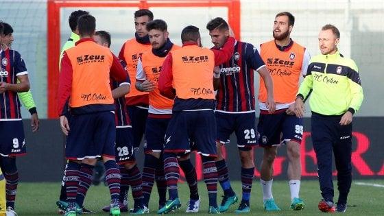 Crotone-Chievo 2-0: Trotta e Falcinelli firmano la prima vittoria in A