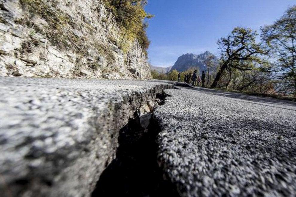 terremoto oggi italia - photo #19