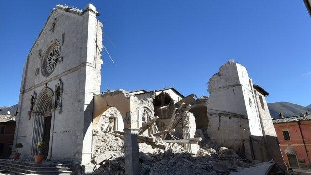 Risultati immagini per terremoto norcia 30 ottobre 2016
