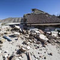 Terremoto, lo sciame sismico non si ferma. Scossa di 4,8 nuovi crolli. Oltre 22mila persone assistite