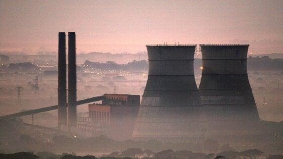 Clima, è operativo l'accordo di Parigi: fermare la CO2 entro il 2030