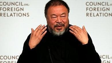 Ai Weiwei: Ogni migrante umiliato mi ricorda mio padre