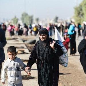"""Mosul, l'esercito in città. L'Onu: """"Il dramma dei civili, uccisi o in ostaggio"""""""