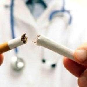 Pazienti con Hiv, il fumo accorcia la vita