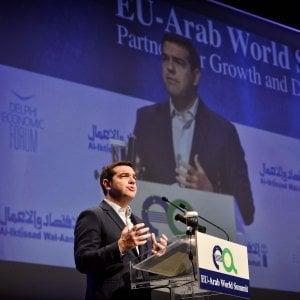 Grecia, Tsipras rimpasta il governo per facilitare l'accordo sul debito