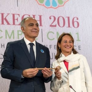 """Serve una giustizia climatica"", Ségolène Royal apre la Cop22 di Marrakech"