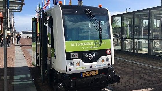 Dieci minuti su un bus a guida autonoma. Il futuro dei trasporti in Europa è già qui