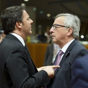 """Italia-Ue, secondo round. Juncker: """"Non siamo tecnocrati"""". Renzi: """"Il tempo dei diktat è finito"""""""