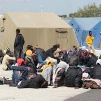 Più fondi ai Comuni che ospitano migranti. Il decreto fiscale premia la solidarietà