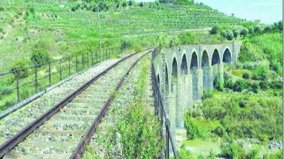 Da Torino alla Sicilia, così pedaleremo lungo i vecchi binari