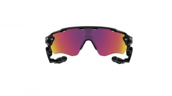 Un personal trainer dentro gli occhiali hi-tech