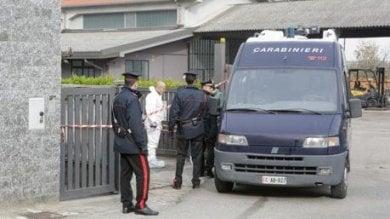 Uccisa a coltellate in casa, è giallo a Novara: nessun segno di scasso, interrogato il marito