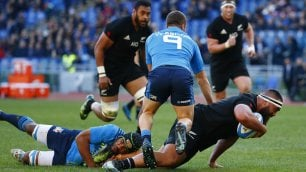 Rugby, passeggiata All Blacks: Italia travolta 68-10