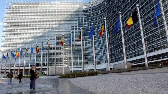 La Ue abbandona l'austerità e per la manovra di Roma arriva l'ok condizionato