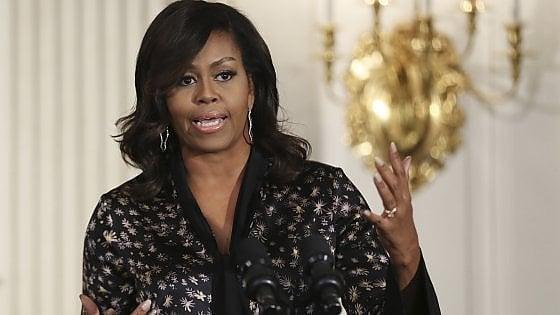 """Usa, sindaca di Clay si dimette dopo post contro Michelle Obama, """"scimmia con i tacchi"""""""