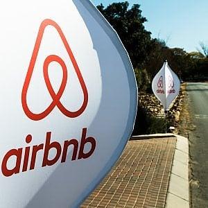 """Airbnb, non solo case ma un brand di viaggi """"magici"""""""