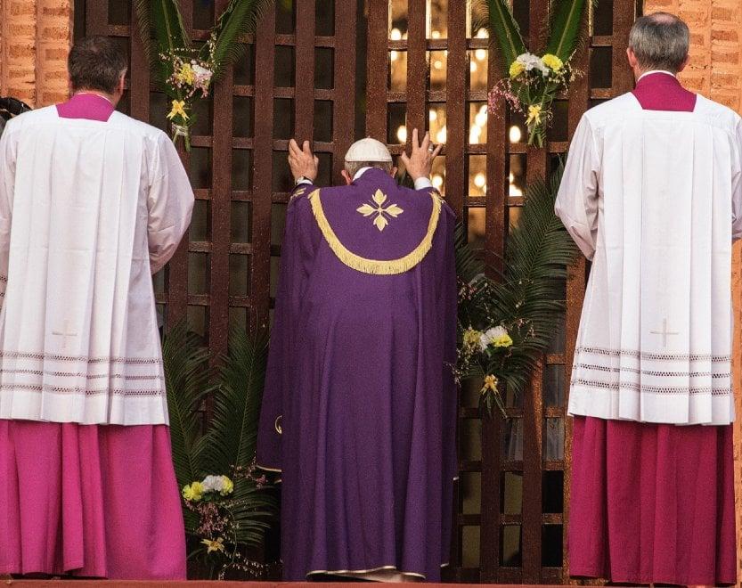 Giubileo della Misericordia, il fotoracconto: i gesti simbolici di papa Francesco