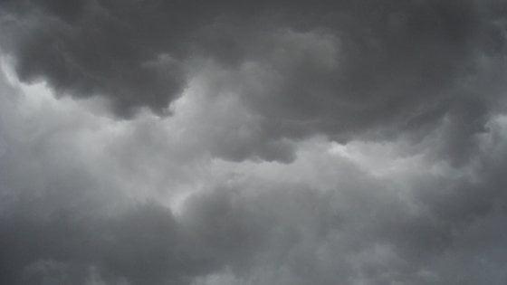 Maltempo, sabato e domenica sotto le nuvole: perturbazioni per tutta la settimana da Nord a Sud