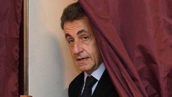 """Francia, flop di Sarkozy alle primarie di centrodestra. """"Cambio vita"""""""