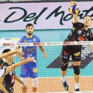 Volley, Superlega: Trento cade a Modena, sorpasso Lube in vetta