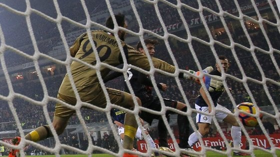 Milan-Inter 2-2: Perisic al 92' rovina la festa rossonera