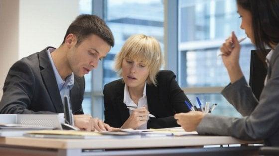 Lavorare In Ufficio Yahoo : In ufficio tra capi e colleghi cento trucchi per sembrare smart