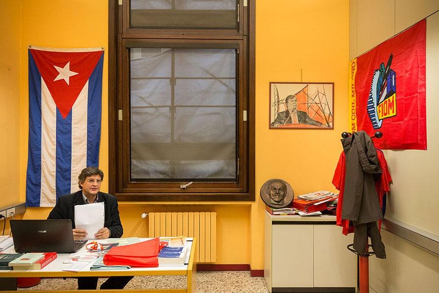 La sottile linea rossa Viaggio in Italia cercando la sinistra