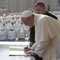 Aborto: la battaglia sui temi etici, così Francesco sfida i vescovi conservatori