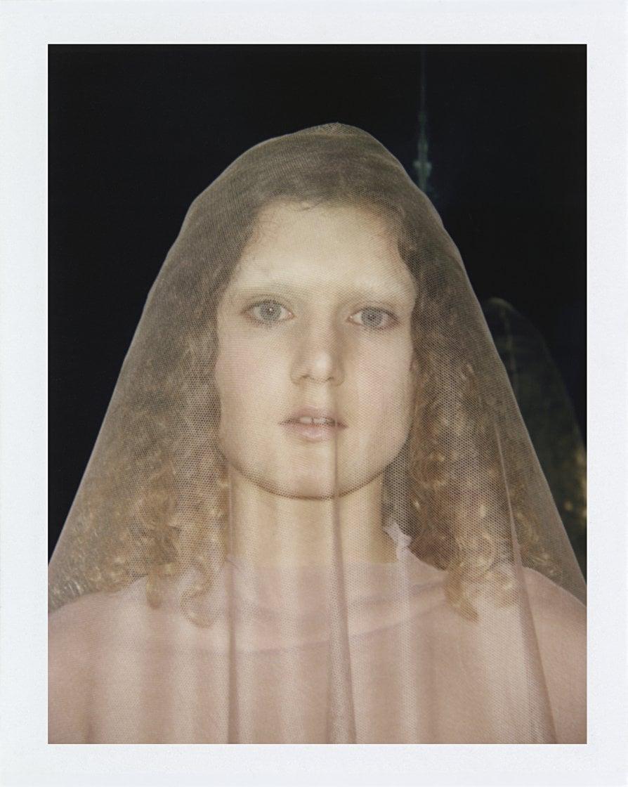 Vanessa Beecroft, i corpi della moda promossi ad arte