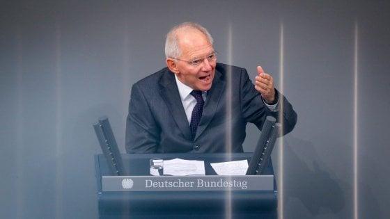 Schaeuble contro la Ue: non controlla i bilanci