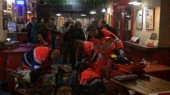 """Siviglia, scontri tra ultrà spagnoli e juventini: tre feriti, uno è grave. """"Un agguato"""""""