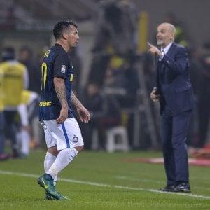 Inter, Pioli perde Medel: fuori almeno un mese