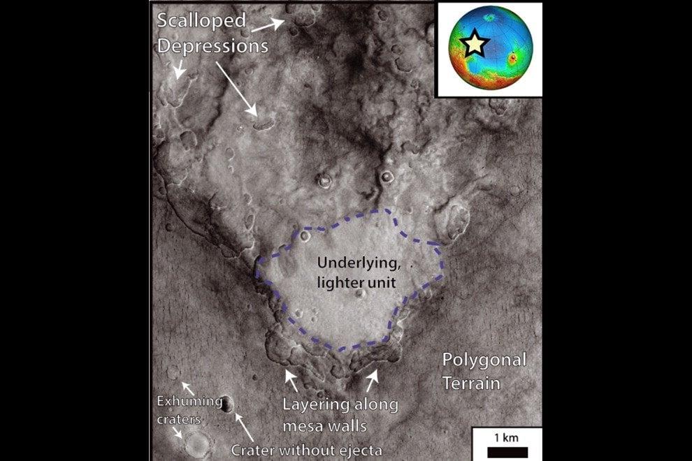 Una gigantesca riserva di ghiaccio potrebbe rappresentare, in futuro, una preziosa risorsa di acqua per i primi esploratori di Marte. Il bacino, scoperto grazie ai dati forniti dallo strumento italiano Shirad, a bordo del Mars reconnaissance orbiter, non si trova al polo ma in una zona molto più accessibile. La Utopia planitia si trova infatti a medie latitudini, tra l'equatore e il polo nord del pianeta. Questo bacino di ghiaccio d'acqua conterrebbe, secondo i ricercatori, tanta acqua quanto il lago Superiore, 250 volte il lago di Garda